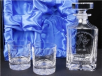 Decanter and whisky glasses - all can be engraved with wording of your choice