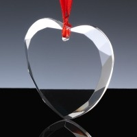 OPTICAL CRYSTAL HEART ON RIBBON